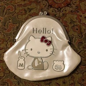 NWOT HELLO KITTY Kiss Clasp Clutch